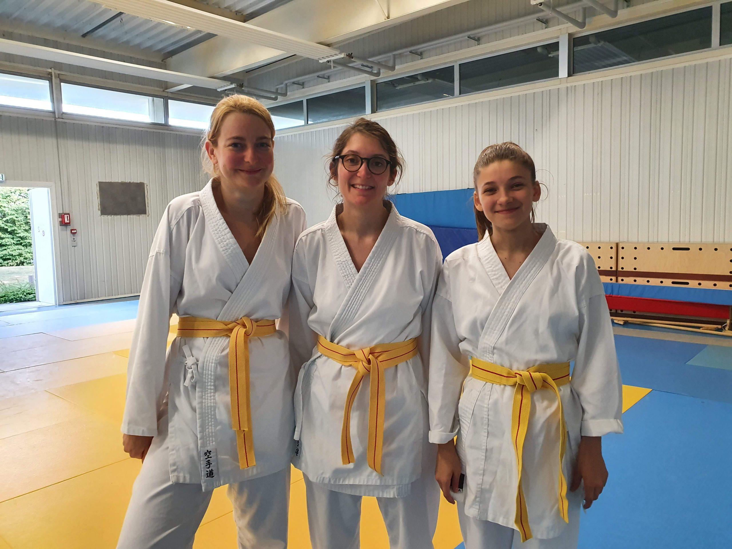 Trois nouvelles ceintures jaunes